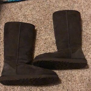 Tall dark brown uggs